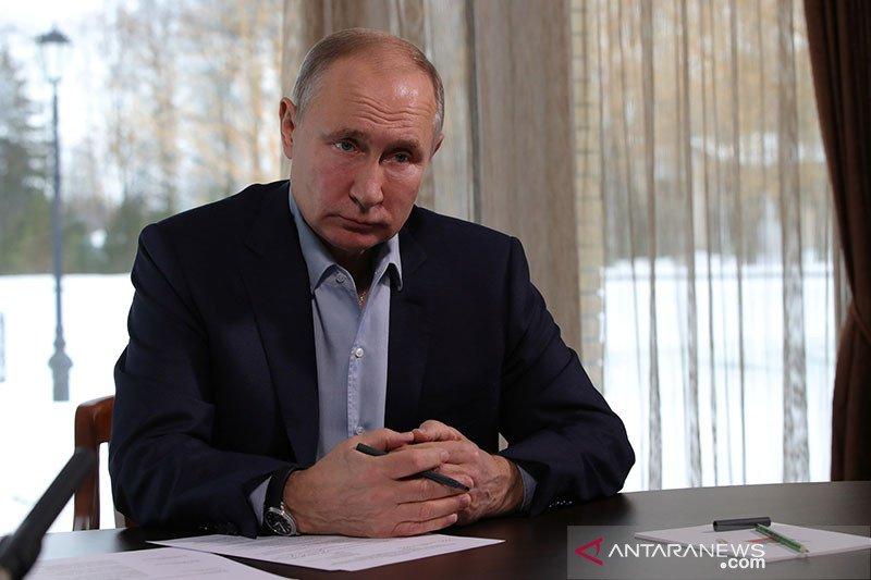Presiden Putin alami sedikit efek samping usai divaksin COVID-19