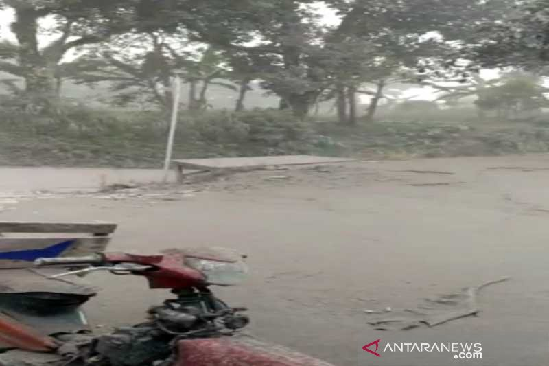 BPBD Boyolali droping 12.000 masker ke daerah hujan abu
