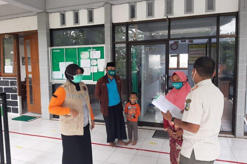 Satpol PP hentikan pembelajaran tatap muka dua SMK di Tulungagung