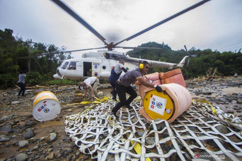 Distribusi bantuan BBM ke lokasi pengungsian pedalaman Pegunungan Meratus