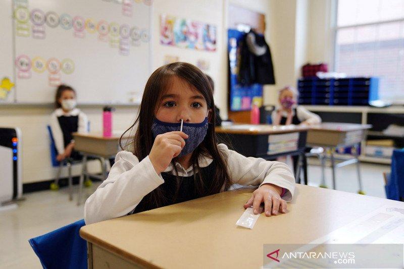 Sekolah-sekolah di AS dianjurkan tetap wajibkan penggunaan masker