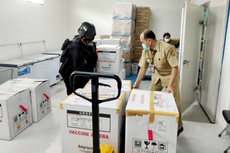 Polda Kalteng kawal pendistribusian vaksin ke tiga kabupaten