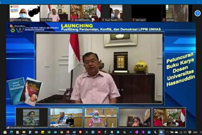 JK berbagi pengalaman perdamaian di peluncuran Puslitbang CPCD Unhas