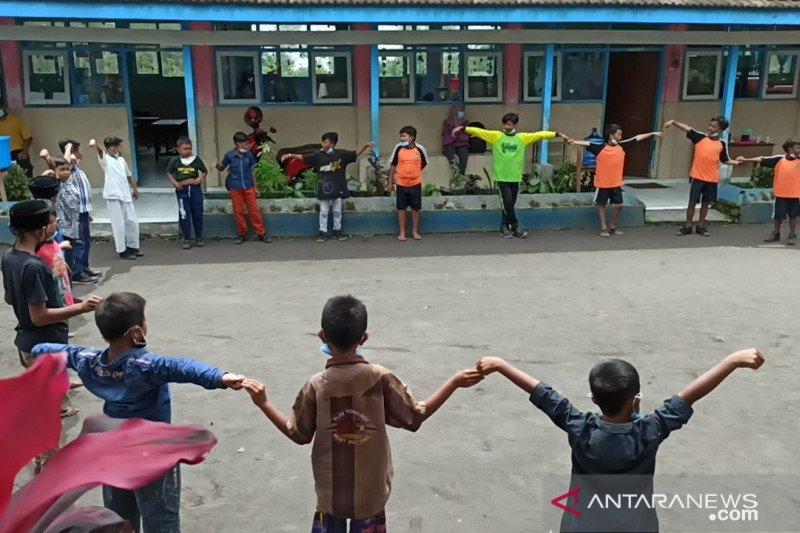 Pemkab Lumajang berikan 'trauma healing' anak-anak pascaerupsi Semeru