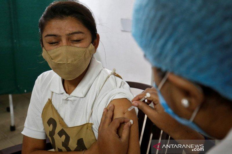 India mengaku miliki banyak vaksin COVID untuk rakyatnya sendiri