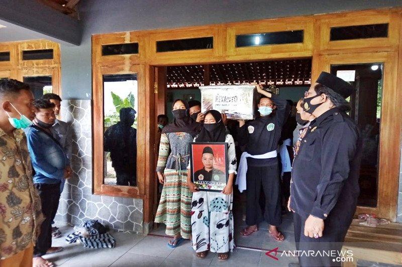 Jenazah Suyanto-Riyanto korban Sriwijaya Air dimakamkan di Sragen