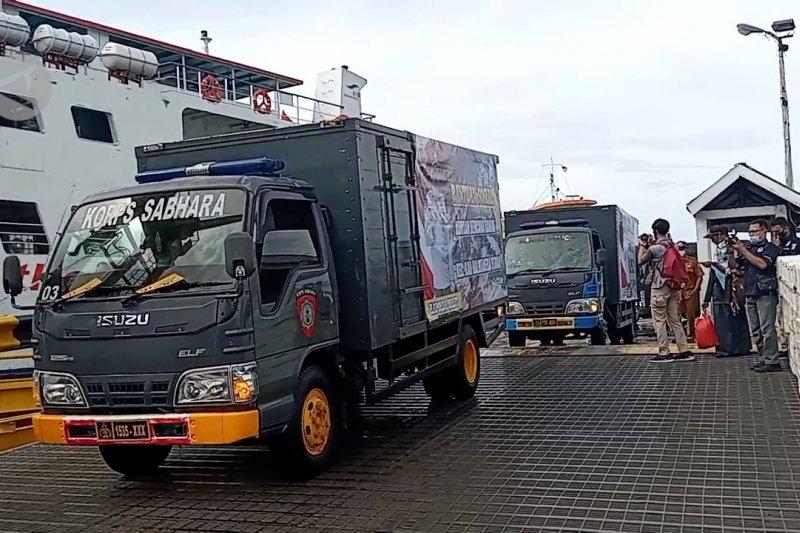 Polda Malut kirim seribu paket sembako untuk pengungsi banjir di Halmahera Utara