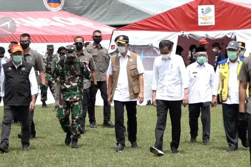 Presiden Jokowi tinjau langsung lokasi pengungsian di Mamuju