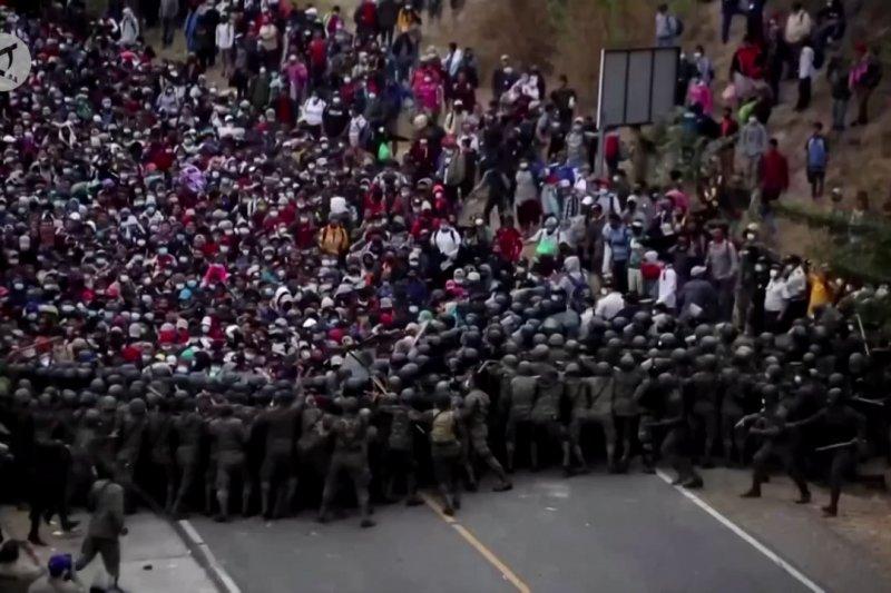 Karavan migran Honduras terhenti di Guatemala