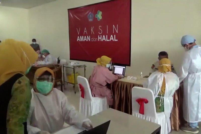 MUI Sultra imbau masyarakat pentingnya vaksinasi COVID-19