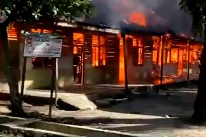Belasan bilik santri Pesantren Serambi Mekkah di Aceh terbakar