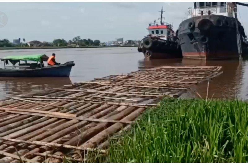 Ditpolairud Polda Kalbar amankan 1.380 batang kayu ilegal