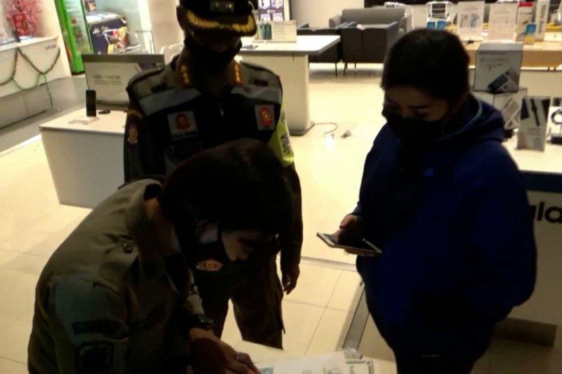 KTP pelaku usaha pelanggar PPKM di Kota Malang disita