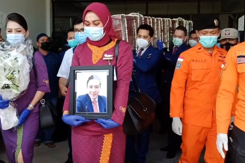 Jenazah pramugara Sriwijaya Air SJ-182 asal Bangka diserahkan kepada keluarga