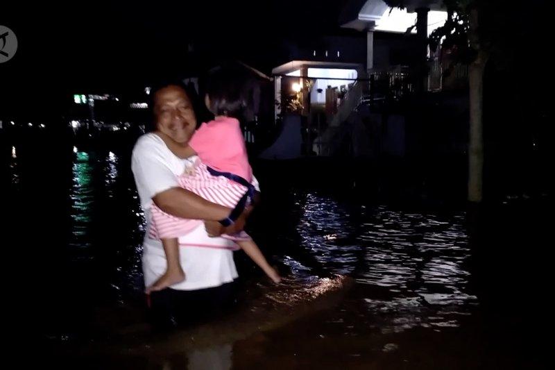 Sungai Bedadung meluap, Jember dikepung banjir