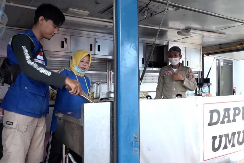 Dapur umum untuk penuhi kebutuhan pangan pengungsi Mamuju