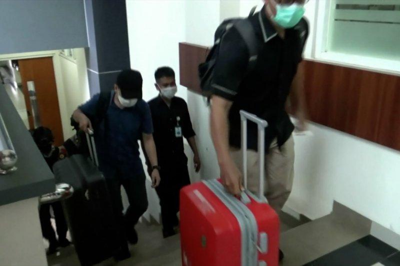 Penyidik KPK geledah BLP Kota Batu