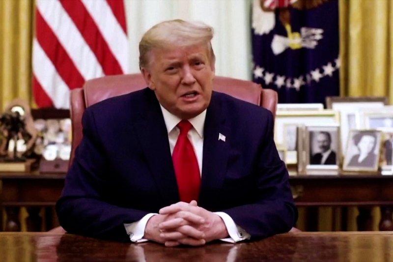Trump mengutuk massa Capitol, mengabaikan pemakzulan