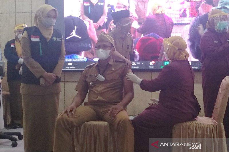 Lima pimpinan daerah Garut tidak memenuhi syarat disuntik vaksin