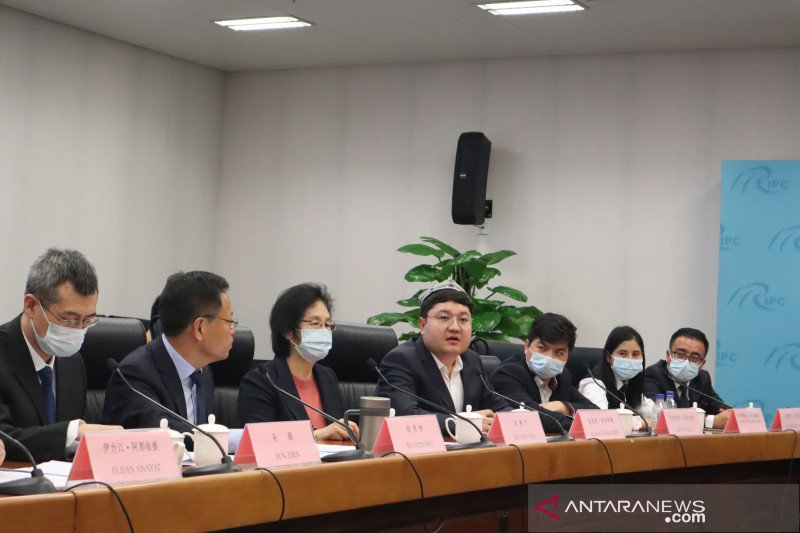 Tolak investigasi, Xinjiang undang asing