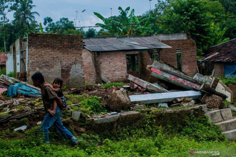 Warga Lebak korban pergerakan tanah dambakan relokasi