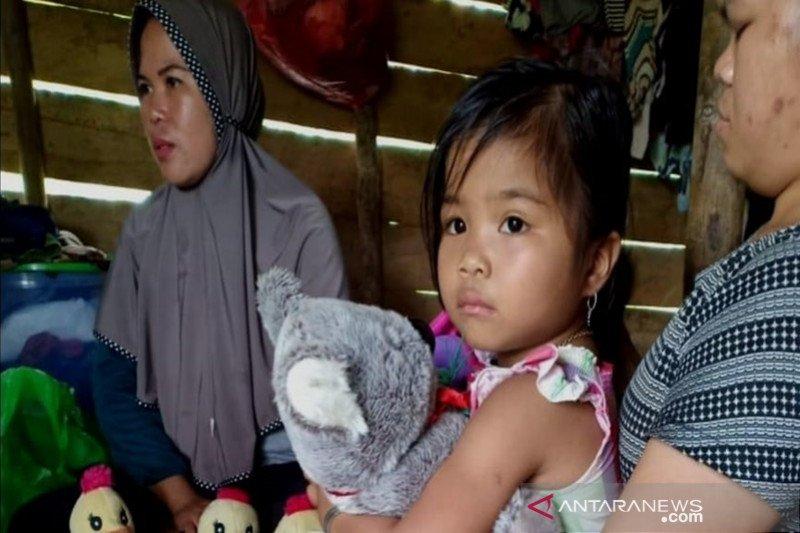Bocah korban tanah longsor di Hulu Sungai Tengah trauma