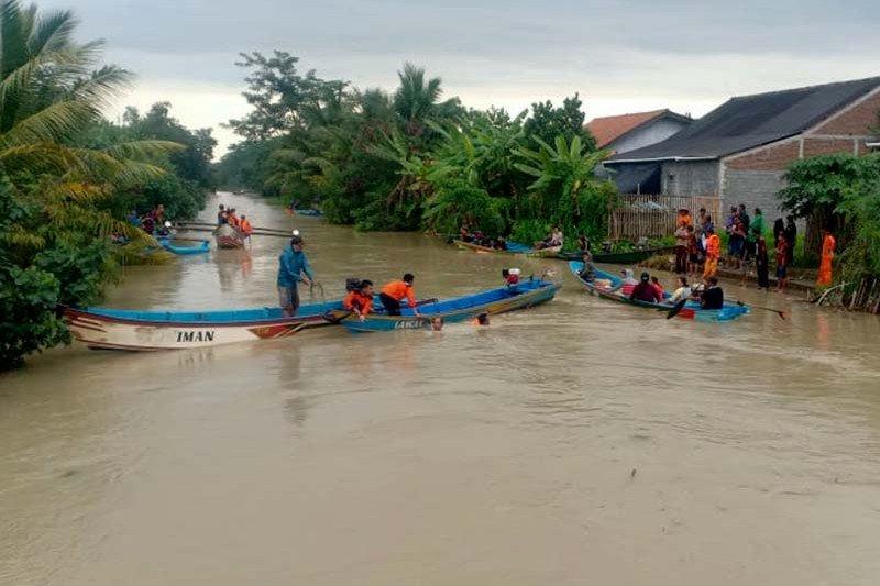 Basarnas cari empat korban kecelakaan perahu di Cilacap