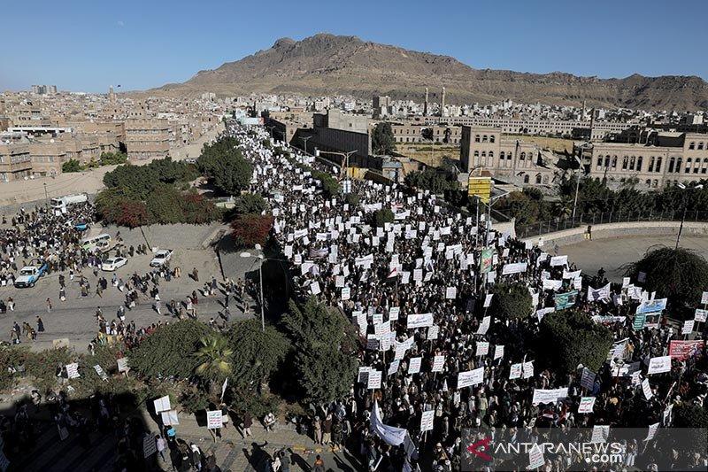 Houthi Yaman akui tembakkan rudal ke fasilitas Aramco Saudi