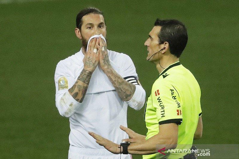 Sergio Ramos sukses jalani operasi lutut