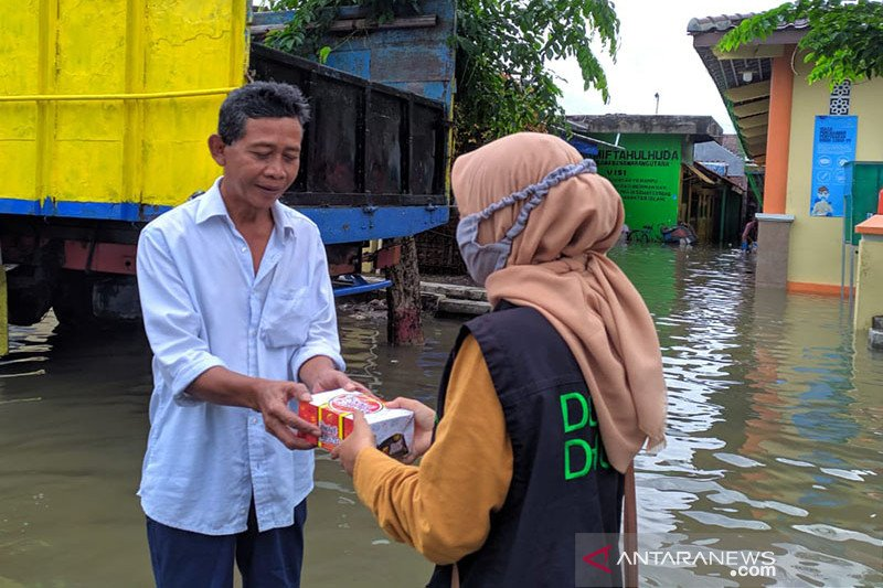 Dompet Dhuafa distribusikan logistik bagi penyintas banjir Semarang