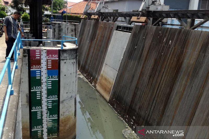 Pintu Air Pasar Ikan Siaga 2, sembilan kawasan Jakarta waspada banjir