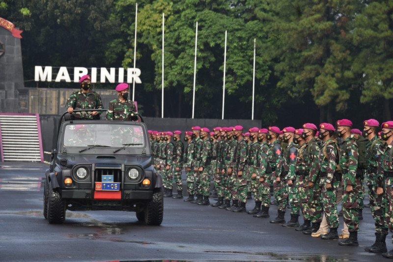 99 personel Satgas Bantuan Kemanusiaan Marinir selesaikan tugas