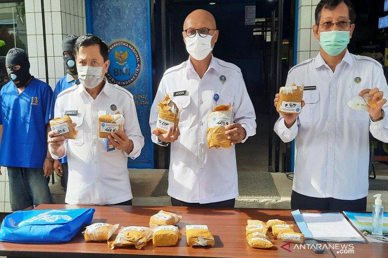 BNNP Kalsel ringkus pecatan TNI bawa 5 kilogram sabu