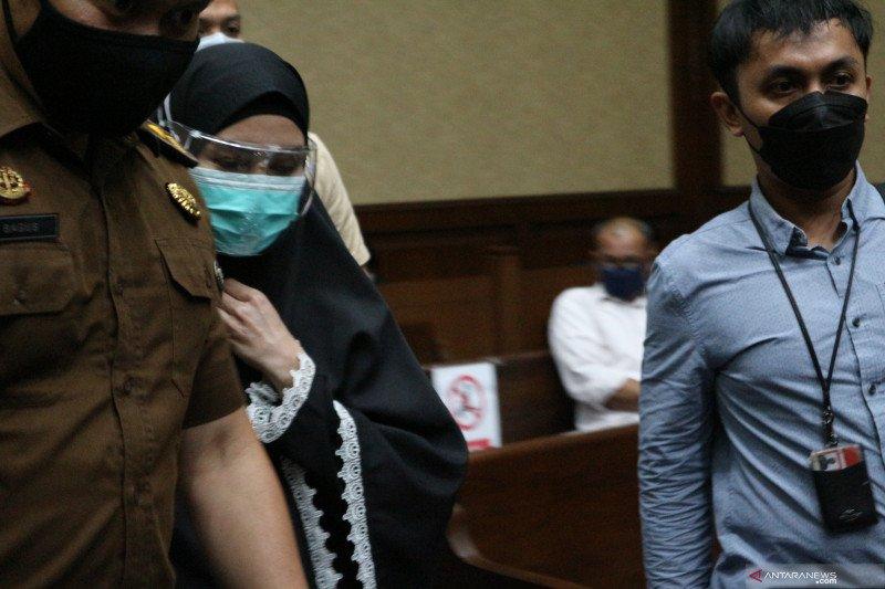 Hakim: Jaksa Pinangki tidak dapat membuktikan uang warisan suami