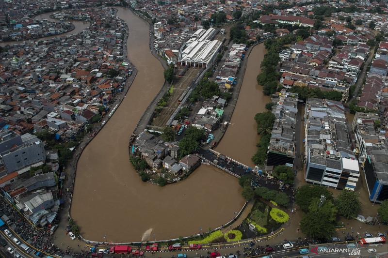 Pemprov DKI alokasikan Rp1 triliun untuk normalisasi sungai dan waduk