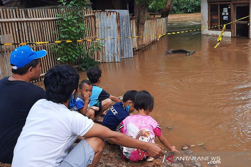 Banjir di Kelurahan Pengadegan mulai surut