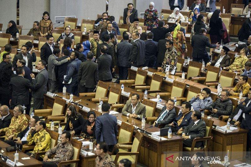 Baleg tunggu keputusan Bamus DPR terkait RUU Pemilu