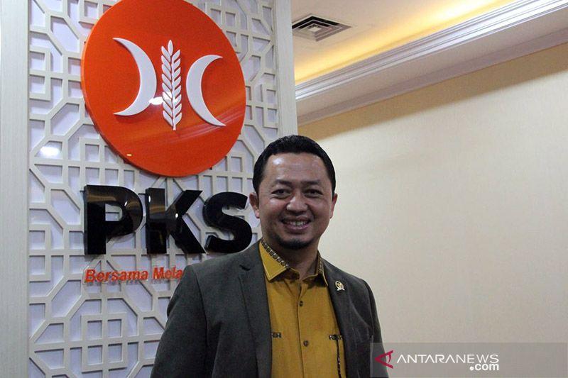 Ruas tol ambles, Anggota DPR ingin arus logistik tidak terhambat