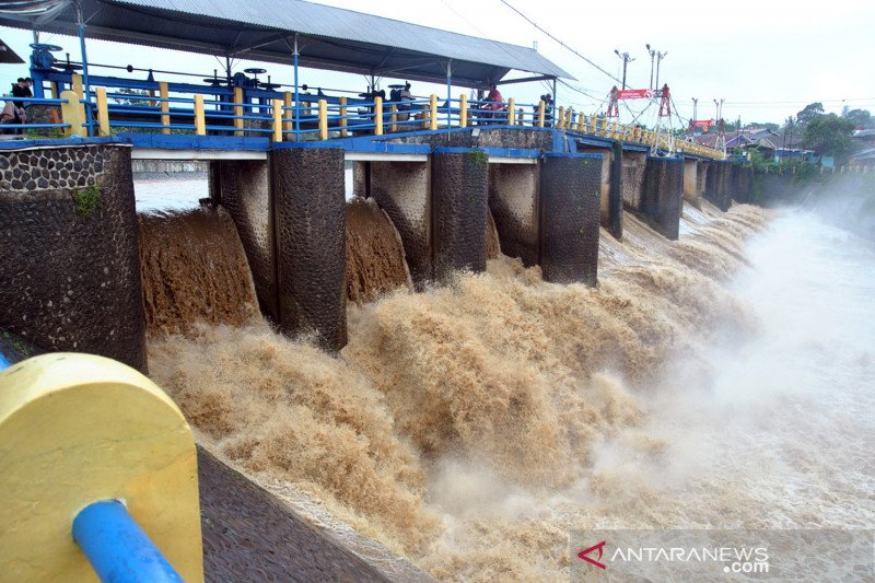 BPBD DKI  imbau masyarakat waspada potensi banjir di sejumlah wilayah