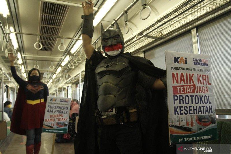 Kampanye prokes di KRL