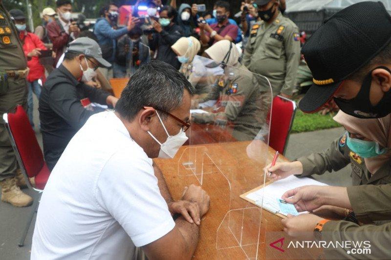 Tiga pengendara moge terobos ganjil genap di Kota Bogor diberi sanksi
