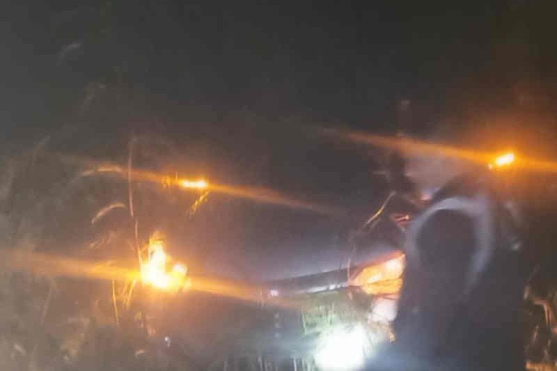 Polisi evakuasi penumpang minibus yang tersesat di Hutan Majalengka