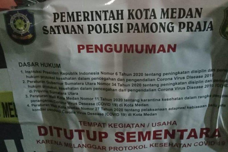 Beroperasi lewat batas, Satgas COVID-19 tutup pusat jajanan di Medan