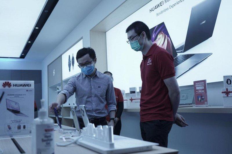 Huawei buka gerai HES baru di Lippo Mall Puri
