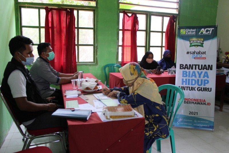 ACT salurkan bantuan biaya hidup guru di Maluku