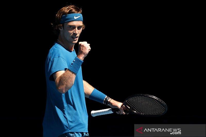 Rublev hadapi Tsitsipas pada final ATP Masters 1000 perdana
