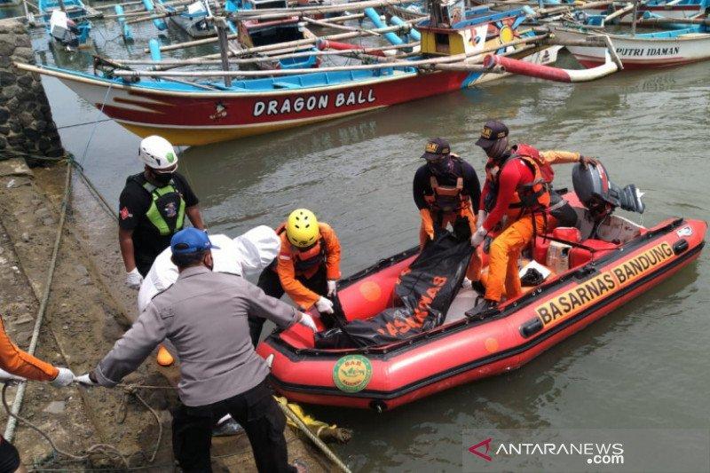 Petugas temukan mahasiswa yang hilang di Pantai Cikaso Garut