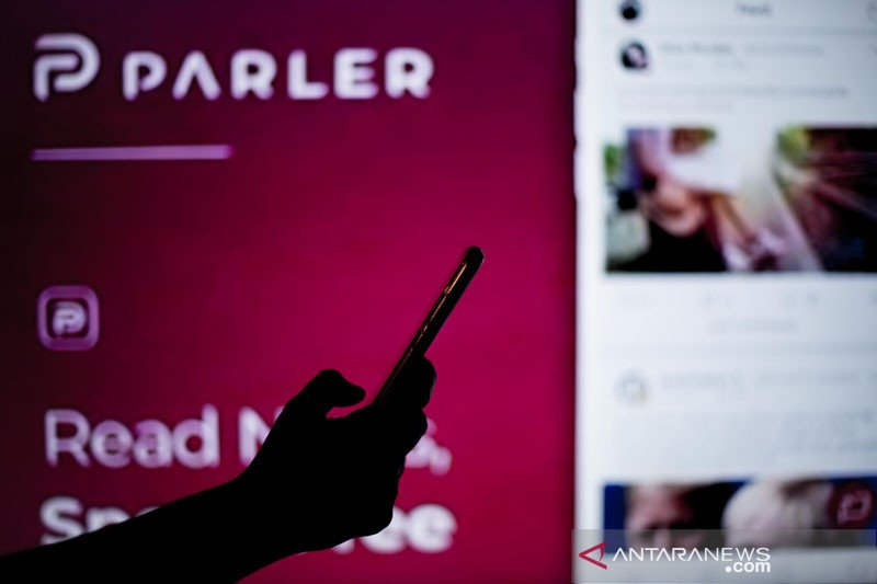 Aplikasi Parler kembali online dan punya bos baru