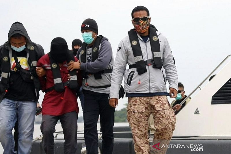 Densus 88 Antiteror tangkap tiga terduga teroris di Kalbar