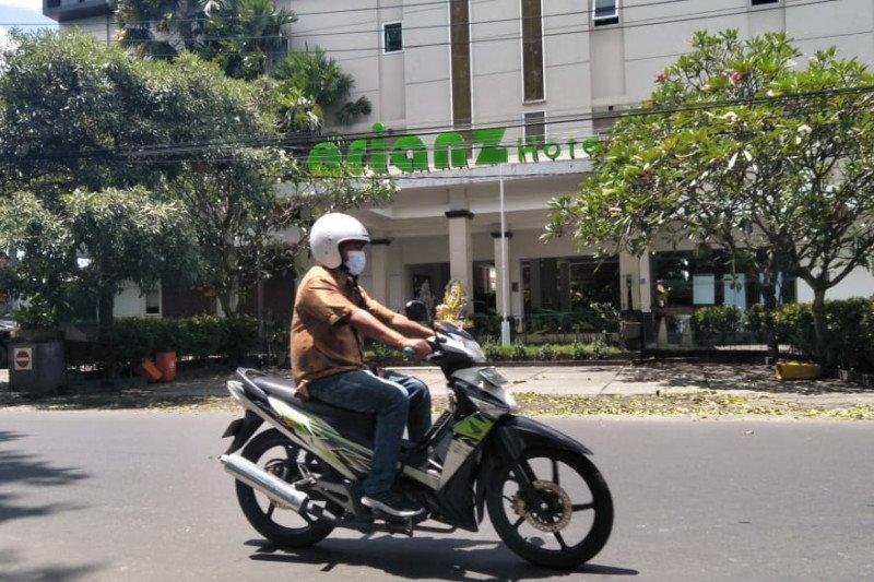 Dispar Mataram memastikan pemberian vaksin COVID-19 bagi karyawan hotel